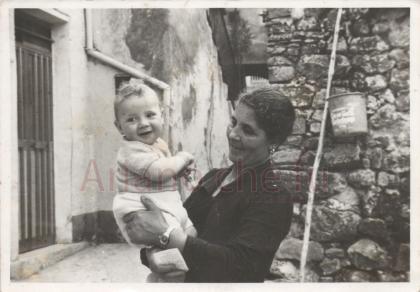 Nonna col nipote - anno 1981